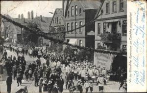 Studentika Ak Gütersloh Westfalen, Turnfest, Ausmarsch der Gymnasiasten, Fritz Zurmühlen Spediteur