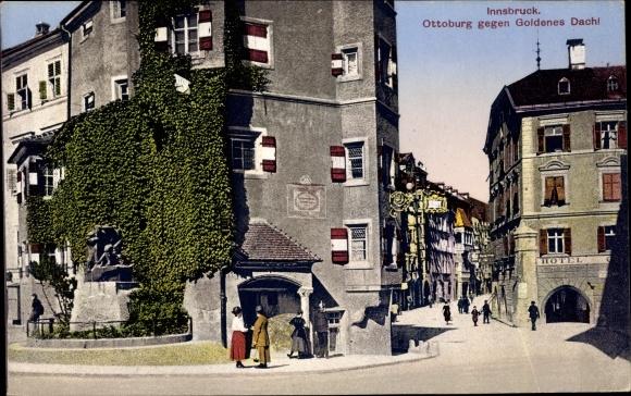 Ak Innsbruck in Tirol, Ottoburg gegen Goldenes Dachl, Hotel
