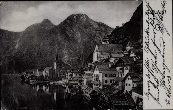 Ak Hallstatt in Oberösterreich, Teilansicht der Stadt, Kirche, Wohnhäuser, Uferpartie