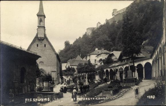 Ak Salzburg in Österreich, Petersfriedhof, Kirche, Gruftarkaden