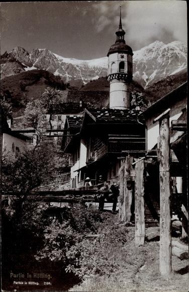 Ak Hötting Innsbruck in Tirol, Teilansicht der Ortschaft, Kirchturm