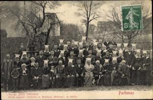 Ak Parthenay Deux Sèvres, Noce Gatinaise, Personen in Volkstrachten