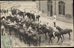 Ak Garde Republicaine, Abreuvoir, Pferde an der Tränke