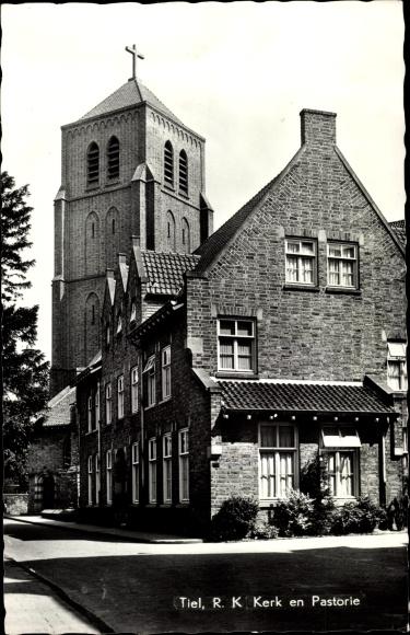Ak Tiel Gelderland Niederlande, R.K. Kerk en Pastorie