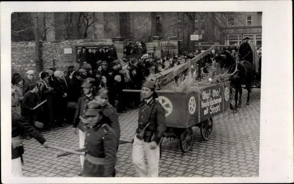 Foto Ak Erfurt, historischer Festzug, Oho Oho, heute löschen wir mit Stroh, Festwagen