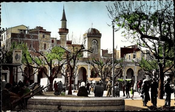 Ak Bone Algerien, Place d'Armes, La Mosquée