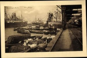 Ak Hamburg, Hafenpartie, Kaianlage, Dampfer, Warentransport in Binnenschiffen
