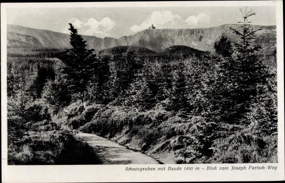 Ak Riesengebirge Schlesien, Schneegruben mit Baude, Blick vom Joseph Partsch Weg