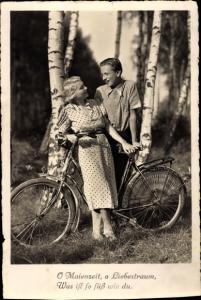 Ak Mann und Frau mit Fahrrad, O Maienzeit, o Liebestraum