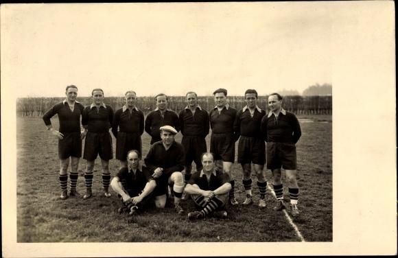 Foto Ak Fußballmannschaft VfB Kurpfalz 1952, Aufstellung, Gruppenbild