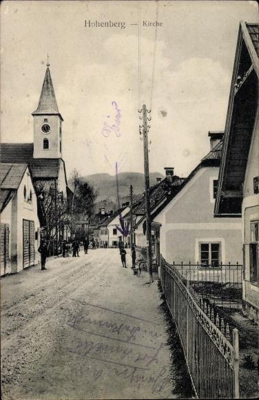 Ak Hohenberg in Niederösterreich, Kirche, Straßenpartie