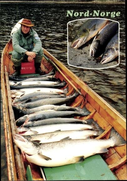 Ak Norwegen, Fischer mit seinem Fang im Boot