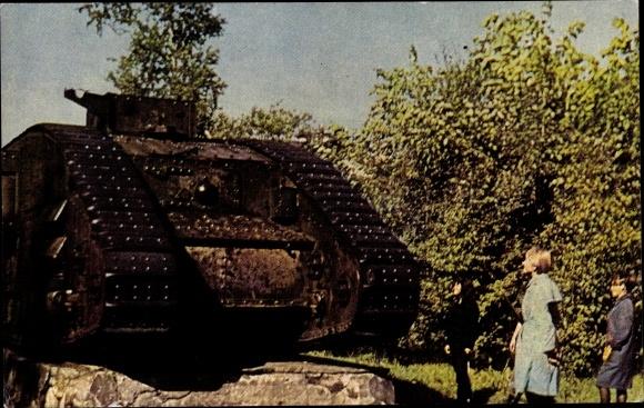 Ak Archangelsk Russland, Museum, Englischer Tank, Panzer