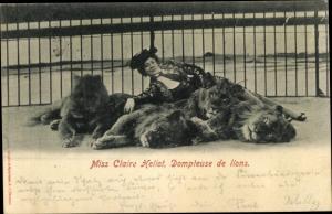 Ak Miss Claire Heliot, Dompteuse de lions