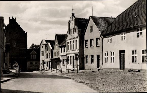 Ak Triebsees in Mecklenburg Vorpommern, Mühlentor in der Karl Marx Straße