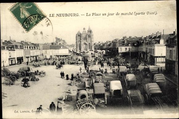Ak Le Neubourg Eure, La Place un jour de marche, partie Ouest