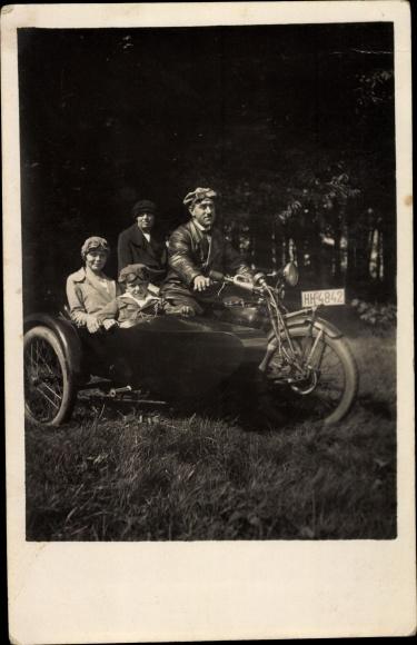 Ak Motorrad mit Beiwagen, Kennzeichen HH 4842, Familienportrait