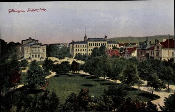 Ak Göttingen in Niedersachsen, Theaterplatz