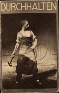 Foto Ak Durchhalten, Schmied mit Hammer