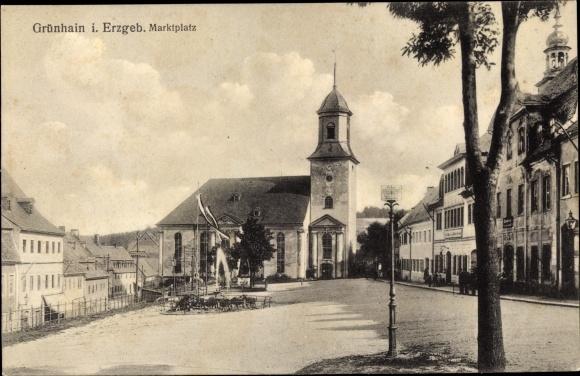 Ak Grünhain Beierfeld im Erzgebirge Sachsen, Marktplatz, Kirche 0