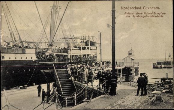 Ak Cuxhaven in Niedersachsen, Abfahrt eines Schnelldampfers der HAPAG 0