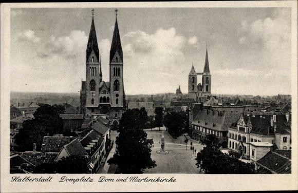 Ak Halberstadt in Sachsen Anhalt, Domplatz, Dom und Martinikirche 0