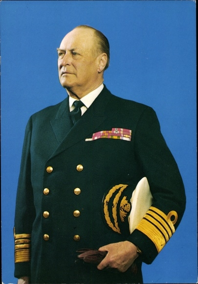 Ak König Olav V. von Norwegen, Portrait in Marineuniform