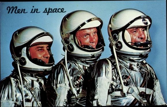 Ak Men in Space, A trip into outer Space, Astronauten, NASA 0