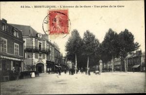 Ak Montlucon Allier, L'Avenue de la Gare, Vue prise de la Gare