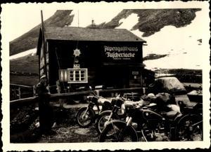 Foto Fusch an der Großglocknerstraße in Salzburg, Alpengasthaus Fuscherlacke, BMW Motorrad