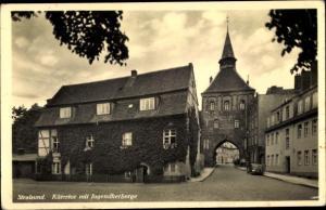 Ak Stralsund in Mecklenburg Vorpommern, Kütertor mit Jugendherberge