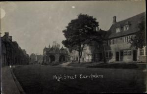 Foto Ak Chipping Campden South West England, High Street, Straßenpartie, Häuser
