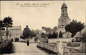 Ak Bayeux Calvados, Eglise Saint Viger le Grand, Porche du Prieure et batiment des Hotes