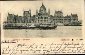 Relief Ak Budapest Ungarn, Országház, Parlament, Uferpartie, Dampfer