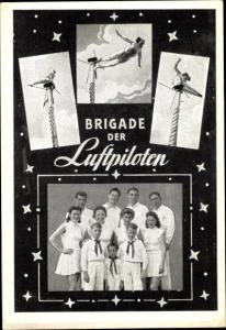 Ak Brigade der Luftpiloten, Artisten, Gruppenbild