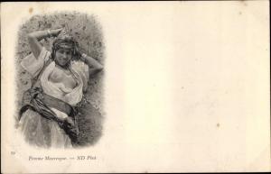 Ak Femme Mauresque, Portrait einer Frau, Busen, Maghreb
