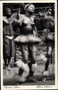 Ak Central Africa, Native Dancer, Tänzerin, Busen, Bastrock