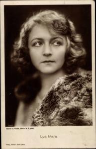 Ak Schauspielerin Lya Mara, Portrait mit Pelz