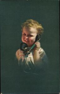 Ak Kind mit Telefonhörer, Novitas Nr. 656/2