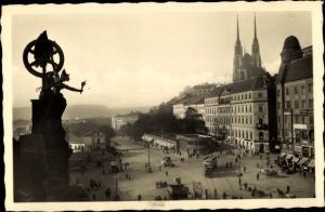 Ak Brno Brünn Südmähren, Blick auf den Platz