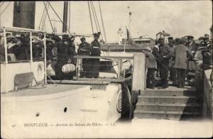 Ak Honfleur Calvados, Arrivee du Bateau du Havre