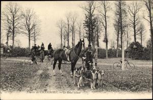Ak Chambord Loir et Cher, Chasses, le Relai volant, Pferd, Jagdhund