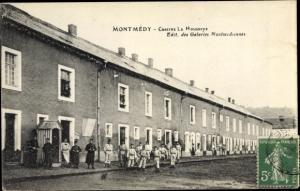Ak Montmedy Meuse, Caserne la Haussaye