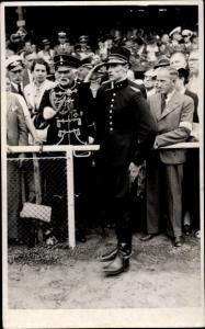 Ak Generalfeldmarschall August von Mackensen, Soldat in Uniform, Menschenmenge