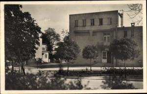 Ak Milovice nad Labem Milowitz Mittelböhmen, Truppenübungsplatz, Gebäude