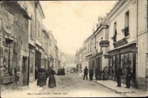 Ak Selles sur Cher Loir et Cher, Rue du Pont, Geschäft