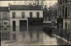 Ak Maisons Alfort Val de Marne, La Grande de la Seine, Maisons Inondes de la Grande Rue