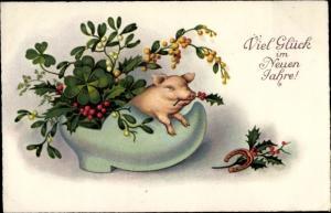 Ak Glückwunsch Neujahr, Glücksschwein im Schuh, Kleeblätter
