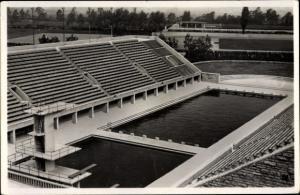 Ak Berlin Charlottenburg Westend, Reichssportfeld, Blick von der Deutschen Kampfbahn, Schwimmstadion