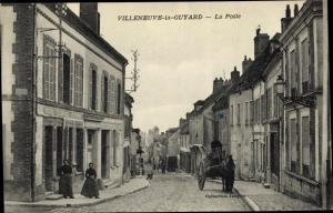 Ak Villeneuve la Guyard Yonne, La Poste, Pferdefuhrwerk